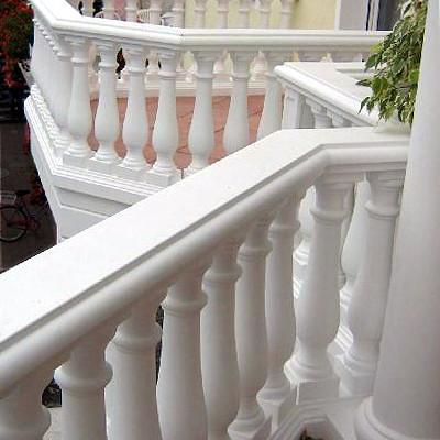 Balustraden aus Weißbeton