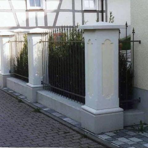 TRAX  Weißbeton-Pfeiler für Tore & Zäune