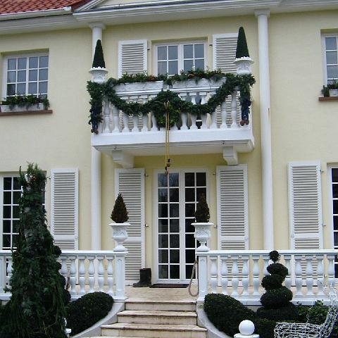 Elegante Villa mit Balustrade in Osthofen im Wonnegau