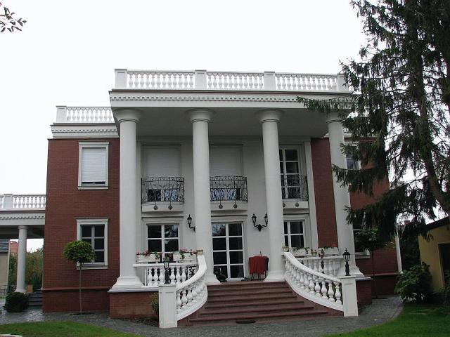 TRAX Säulen und Balustraden
