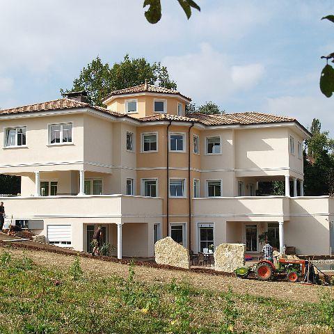 Villa bei Pforzheim mit toskanischen Säulen