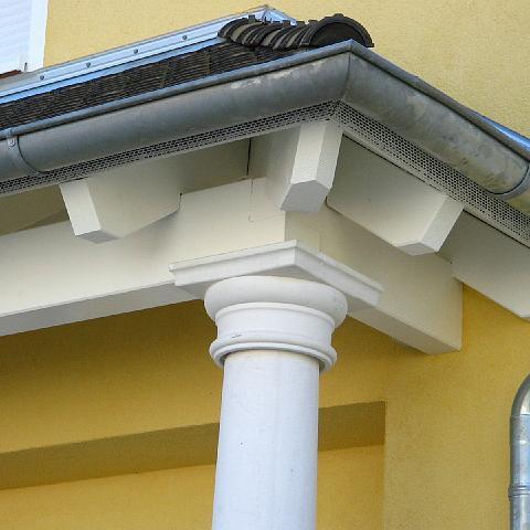 Vordachkonstruktion mit toskanischen Säulen - TRAX Säule 1016