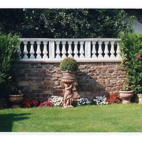 Zierbalustrade im Garten