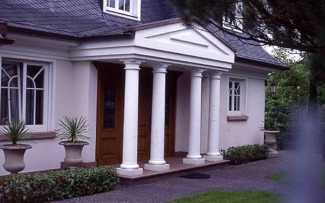 TRAX Säulen